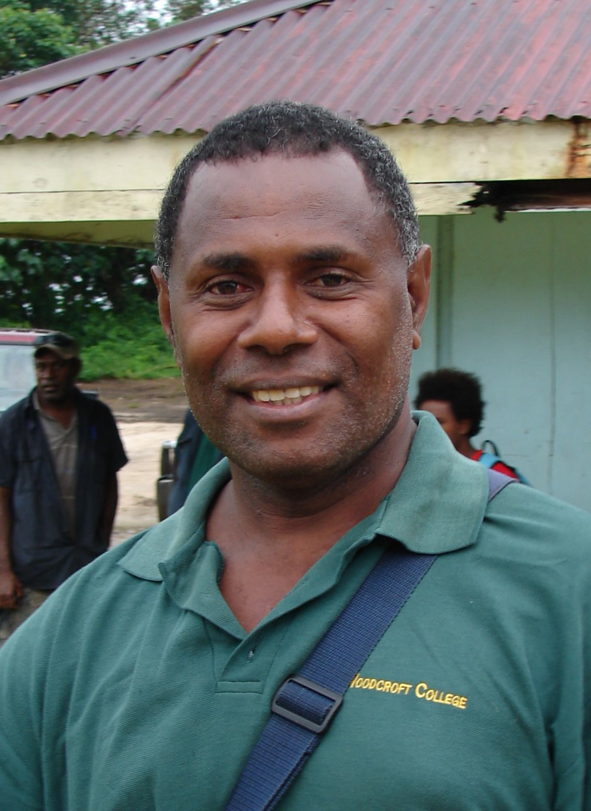 L'instituteur Stanley Lengson, locuteur du lehali, vit dans l'île de Motalava. (photo AF, 2011)