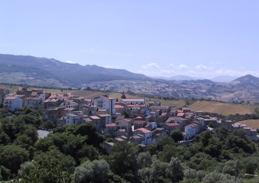 Panorama of the center of Acquaviva Collecroce