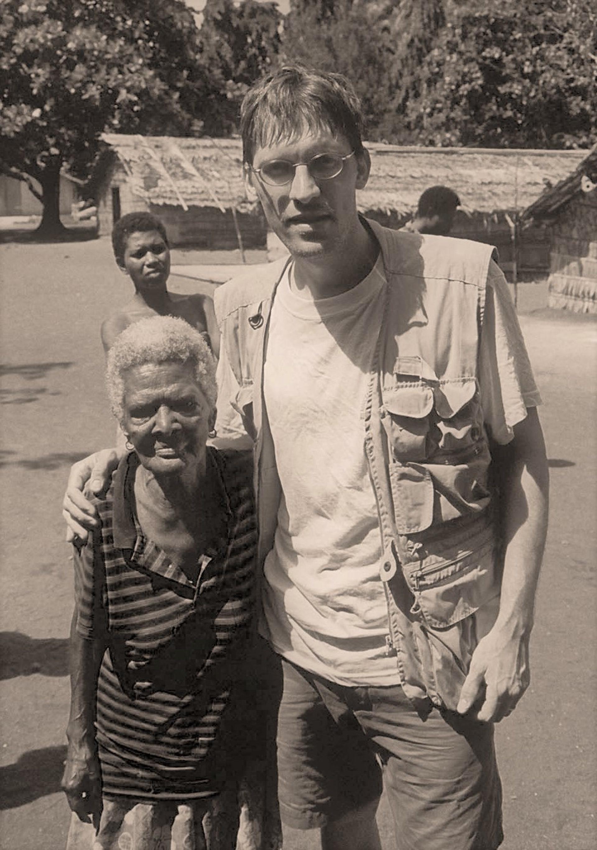 †Emele Mamuli était une conteuse érudite, qui parlait couramment les trois langues de Vanikoro – teanu, lovono et tanema. (photo AF, 2005)